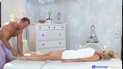 Чувственный массаж для женщины закончился сексом