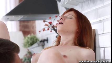 Рыжей девушке больное впервые заниматься сексом