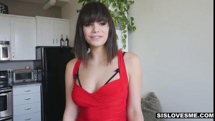 Девушка с большим клитором получает мощный оргазм во время секса